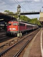 verkehrsrot/29926/110-380-3-ist-mit-rb-11224 110 380-3 ist mit RB 11224 aus Bonn in Wuppertal angekommen und wechselt jetzt auf RB 11987 nach Köln. Juli 2009; Bildbearbeitung Kay Hanisch
