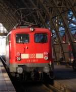 verkehrsrot/187910/110-236-7-faehrt-am-nachmittag-durch 110 236-7 fährt am Nachmittag durch den Kölner Hbf. Januar 2011