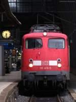 verkehrsrot/169338/110-416-5-um-halb-6-in 110 416-5 um halb 6 in Frakfurt (Main) Hbf. August 2010