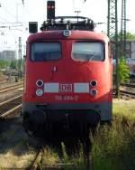 verkehrsrot/53270/110-494-2-wartet-am-suedlichen-bahnhofsvorfeld 110 494-2 wartet am südlichen Bahnhofsvorfeld in Münster auf neue Einsätze. August 2009