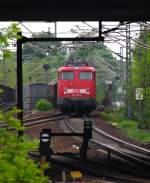 verkehrsrot/78560/ein-experimentelles-bild-von-110-352-2 Ein experimentelles Bild von 110 352-2 beim Umsetzten in Potsdam. Mai 2010