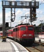 verkehrsrot/148797/mit-der-regionalbahn-nach-dillenburg-wartet Mit der Regionalbahn nach Dillenburg wartet 110 404-1 auf die Ausfahrt aus dem Gießener Bahnhof. August 2010