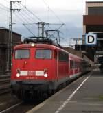verkehrsrot/70259/re-11596-wird-von-110-497-5 RE 11596 wird von 110 497-5 aus Düsseldorf nach Aachen gezogen. März 2010