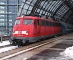 verkehrsrot/60832/113-267-9-steht-mit-d441-im 113 267-9 steht mit D441 im Berliner Hbf. Januar 2010