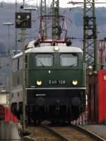 grun/81133/umgeruestet-steht-e40-128-auf-dem Umgerüstet steht E40 128 auf dem Ablaufberg in Koblenz bereit um gleich ihre nächste Aufgabe beim Dampfspektakel zu übernehmen. April 2010